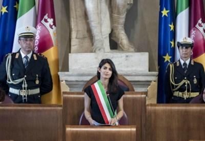 Virginia_Raggi_sindaco_Roma_campidoglio_thumb400x275.jpg