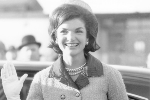 jackie-kennedy-in-pink-suit