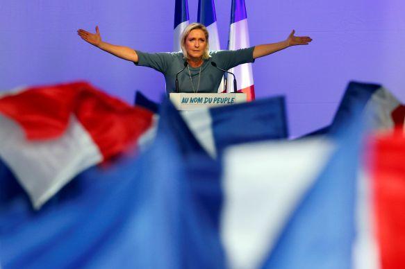 Marine-Le-Pen-peine-a-financer-sa-campagne.jpg